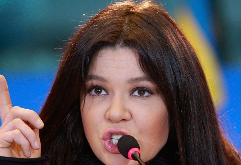 """Руслана призывает украинцев """"снять с себя шаровары"""""""