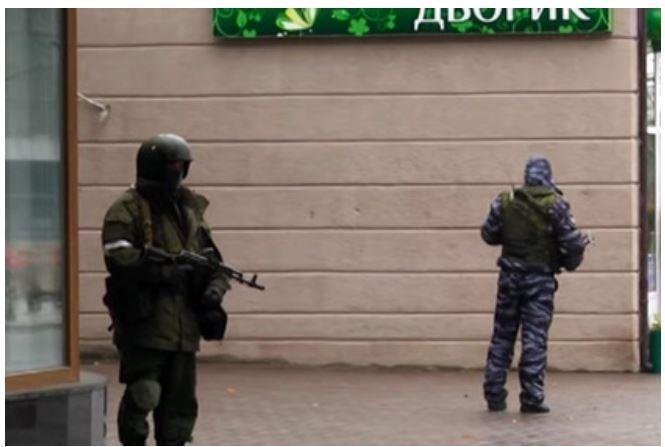 Стали известны подробности захвата Луганска неустановленными силовиками