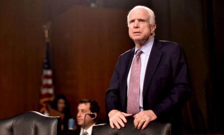 Маккейн обрушился с критикой на Трампа за переговоры с Путиным
