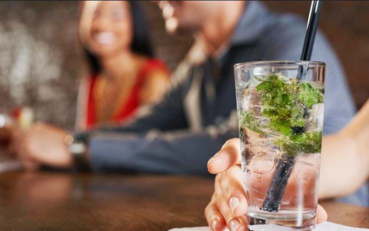 Стала известна связь между видом алкоголя и настроением