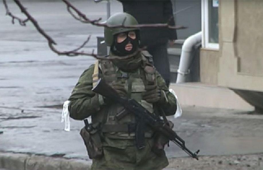 Силовики взяли штурмом здание ГТРК в Луганске