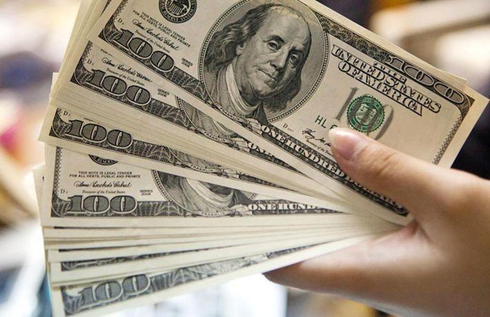 Американка собрала $266 для нищего, купившего ей бензин