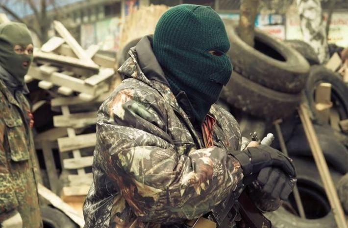 Ополченцы спасли раненого украинского диверсанта, брошенного своими на поле
