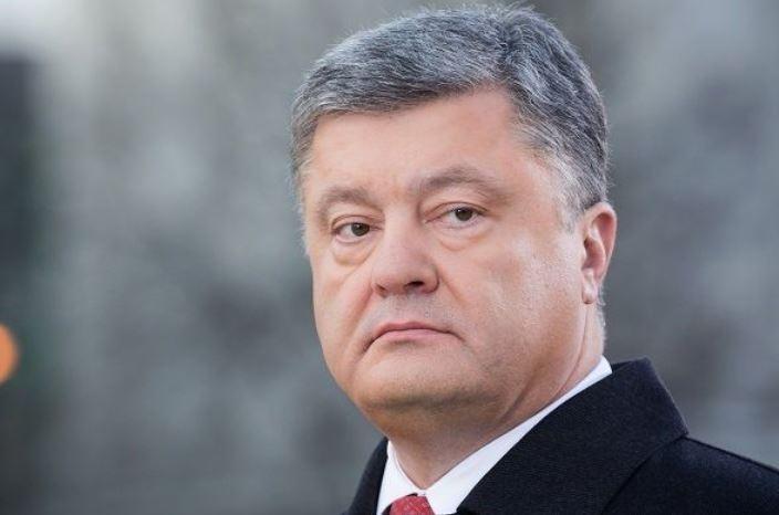 Азаров считает бредом заявление Порошенко о «четырёх союзах» с Евросоюзом
