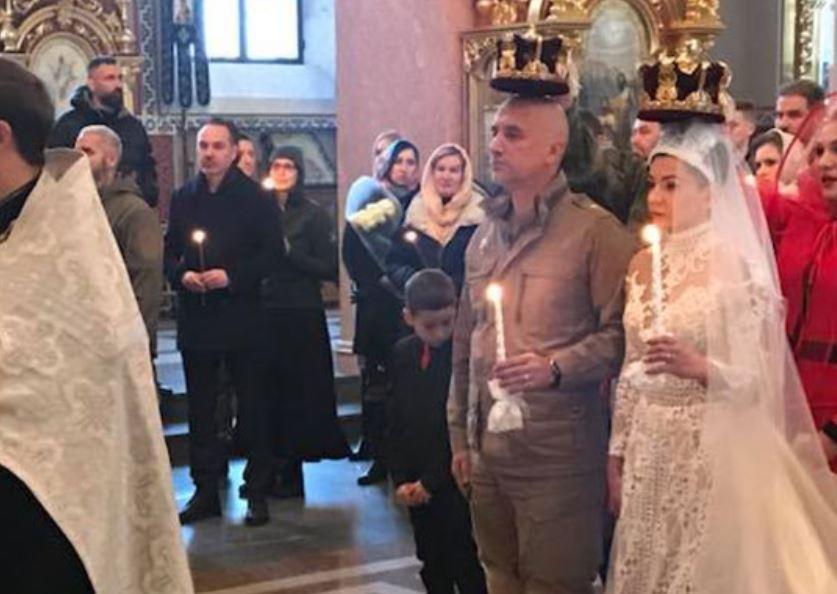 Прилепин обвенчался с супругой в Донецке