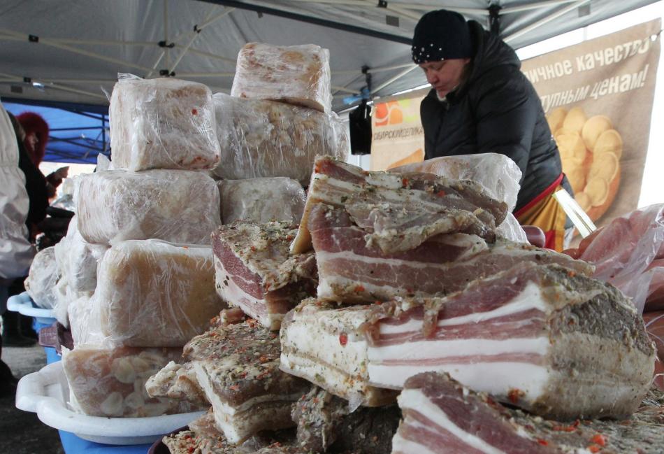 Как биткоин. На Украине рекордным темпом растут цены на сало