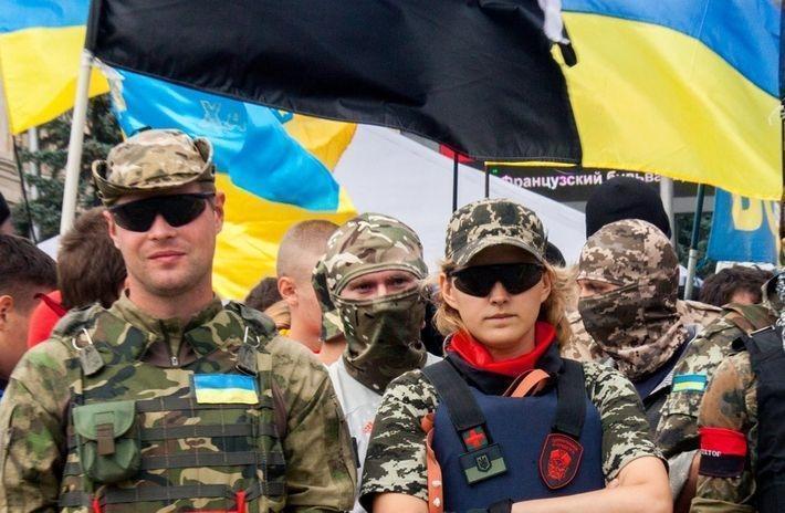В Харькове радикалы устроили дебош на съемках фильма про СССР