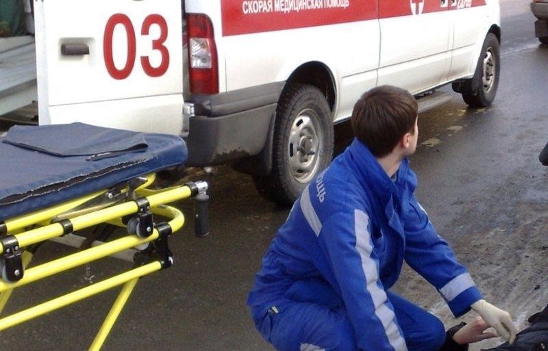 В Крыму на тротуаре авто наехало на семерых подростков
