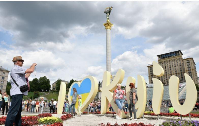 В Верховной раде поведали, почему люди уезжают из Украины