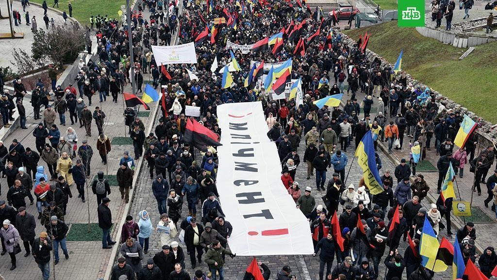 Петицию за импичмент Порошенко подписали 100 тысяч человек