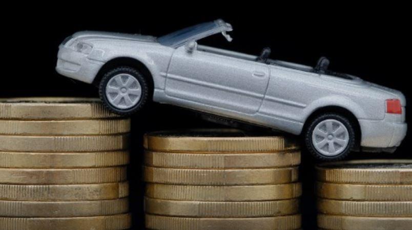 В РФ начинают резко дорожать автомобили