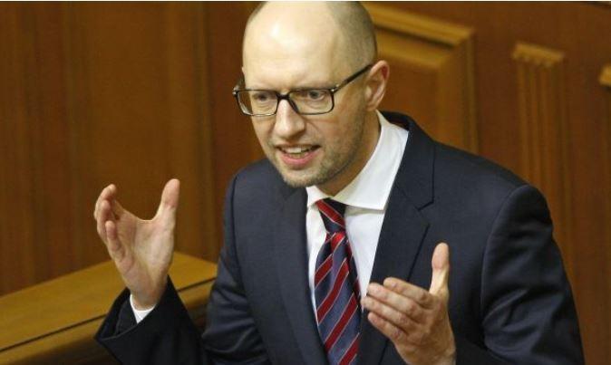 Яценюк признался, кто приказал применить оружие в Крыму