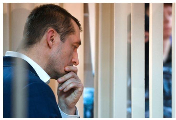 У родных Захарченко отобрали последние деньги