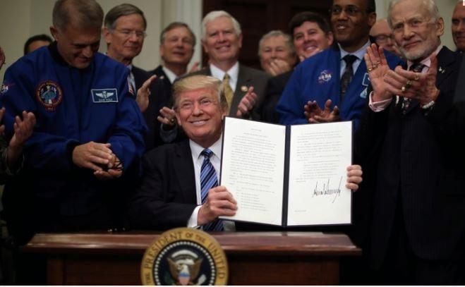 GT: китайцы посмеялись над космической программой Трампа — теперь надо ожидать твитов с Луны