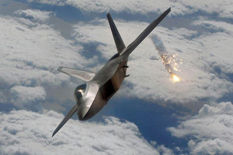 Американские истребители начали огонь по российским штурмовикам в Сирии