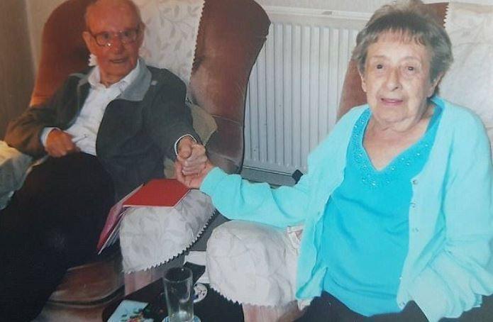 За 67 лет брака семейная пара стала телепатами и умерла с разницей в 1,5 часа