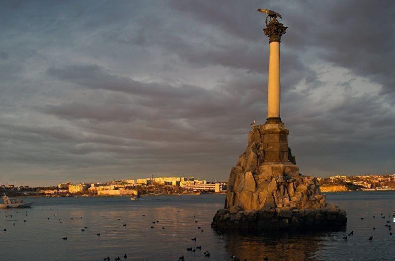 Во Франции обнаружили в продаже глобусы с российским Крымом
