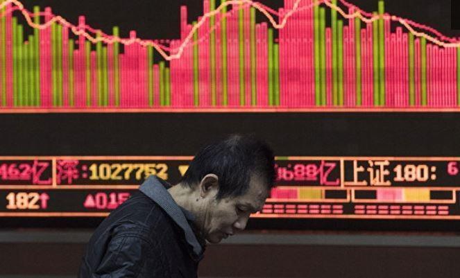 В Китае биржи рухнули вслед за американскими