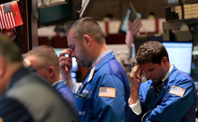 Торговый срыв: из-за чего на мировых фондовых рынках снова началась паника