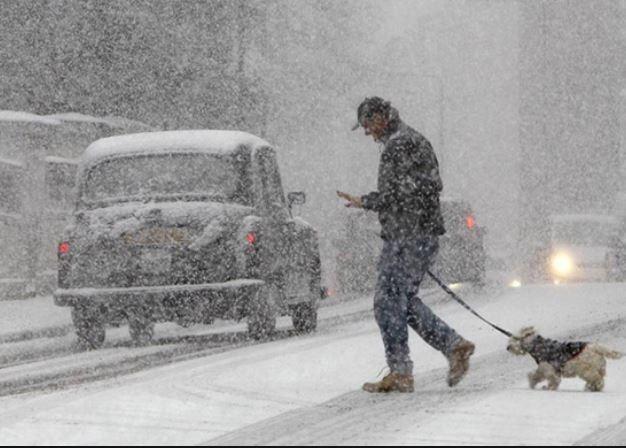 Снегопады с новой силой обрушатся на регионы РФ