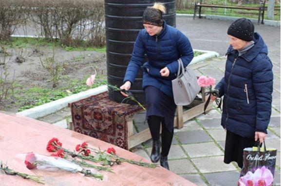 Блаженная нищая набросилась на дагестанского стрелка с сумочкой и спасла прихожан