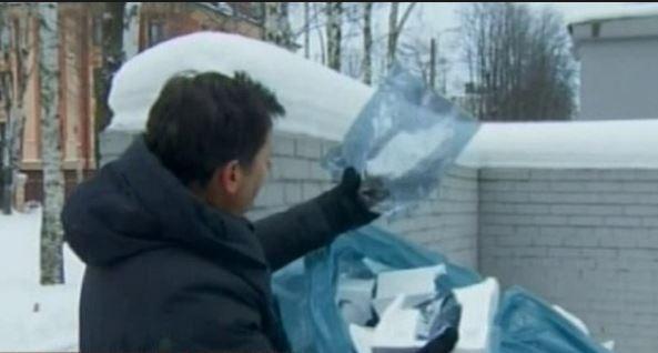 Чтобы обнаружить «русских троллей», корреспондент CNN залез в мусорный бак