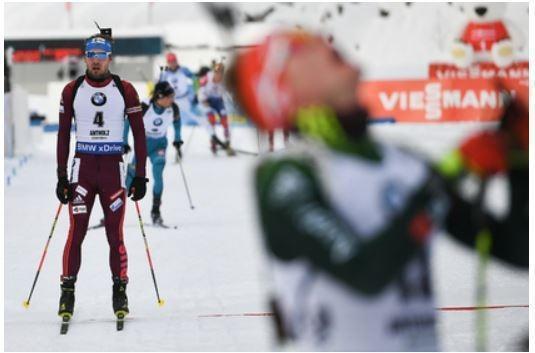 Шипулин упал на финише и не смог получить золото на Кубке мира