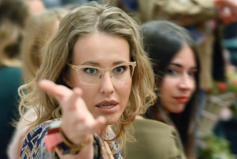 Собчак ответила Поклонской, требующей снять ее кандидатуру с выборов президента РФ