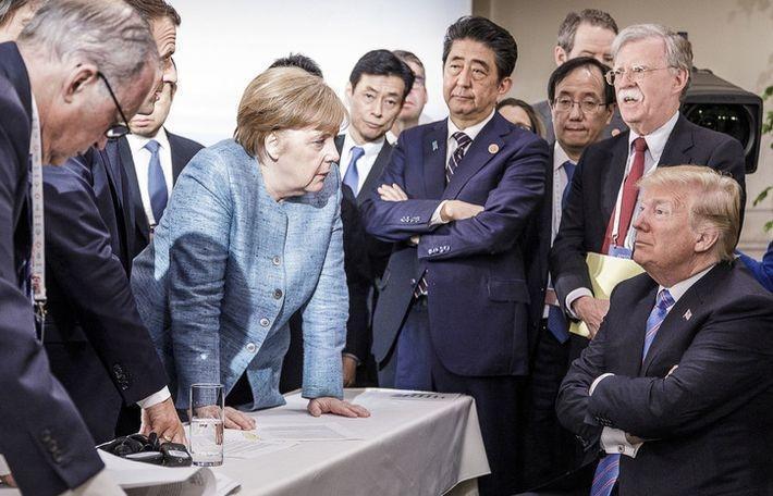 Захарова прокомментировала фотографию глав стран саммита G7