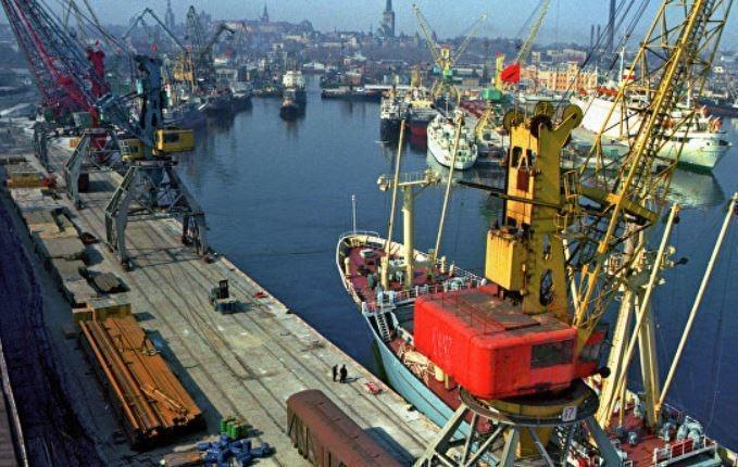 СМИ узнали причину ареста судна РФ в Таллине