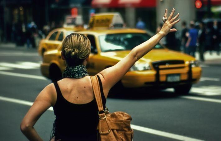 Идея накраситься в такси обернулась для девушки настоящим кошмаром