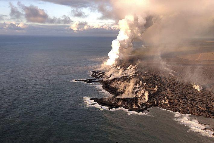 Извержение вулкана на Гавайях привело к дождю из драгоценных камней