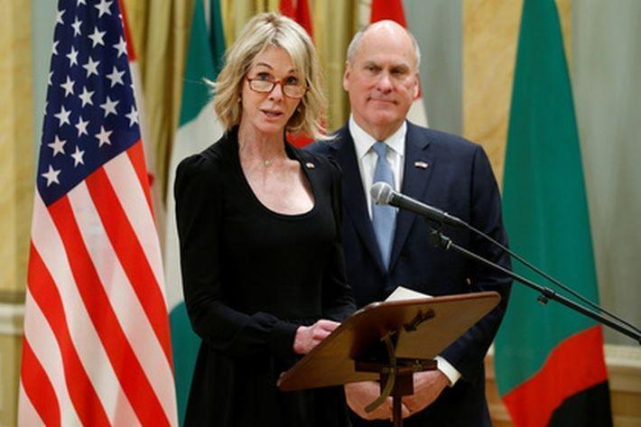 Посол США получила письмо с угрозами и белым порошком