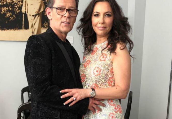 Казаченко ожесточенно судится с супругой за дом