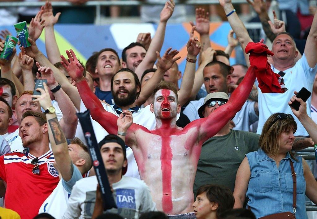 «Пресса запугала нас»: английские фанаты винят британские СМИ во лжи об РФ. Видео