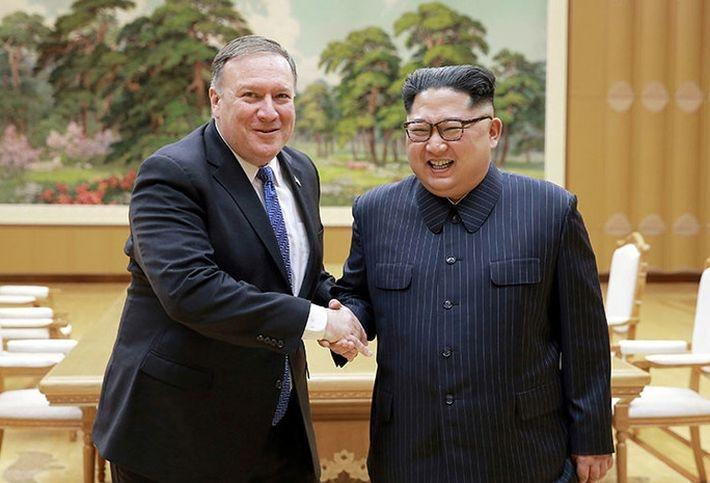 СМИ рассказали, что Помпео на встрече с Ким Чен Ыном пошутил о его убийстве