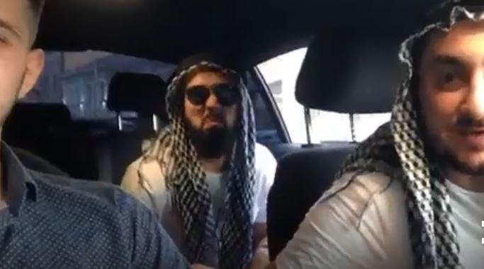 Болельщики пошутили над жителями Ростова, прикинувшись арабскими шейхами — видео