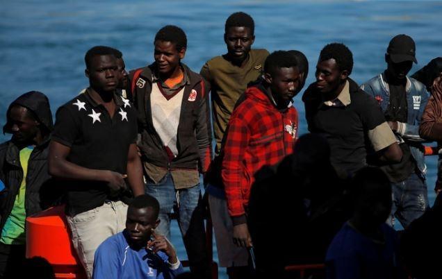 Обозреватель Figaro: щедрость к беженцам и равнодушие к своим гражданам обрекают единую Европу на крах