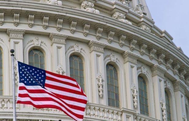 В США конгрессмены готовы голодать ради нелегалов