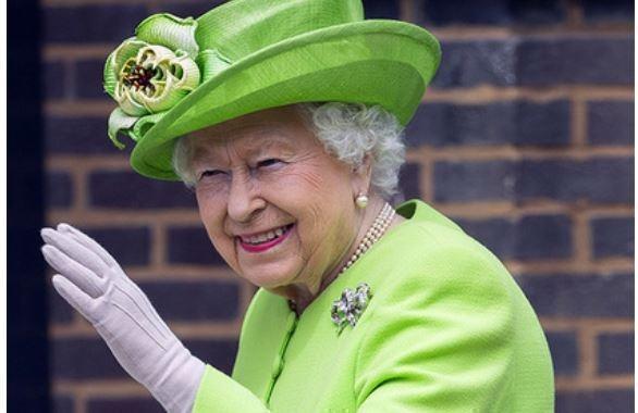 Британская королева не делает необходимую ей операцию