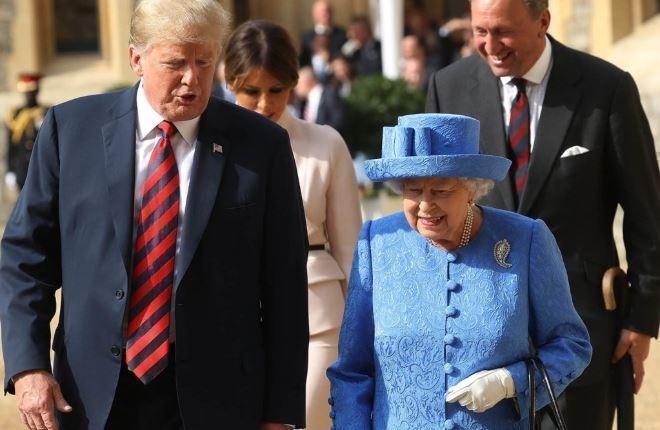 Осталось отдуваться лишь королеве: СМИ узнали, как королевская семья проигнорировала Трампа