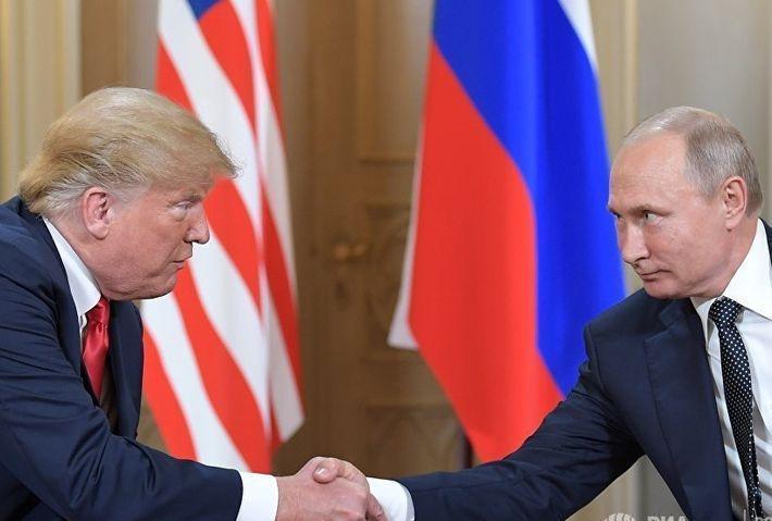 """Путин предложил Трампу обсудить """"болевые точки"""" в отношениях двух стран"""