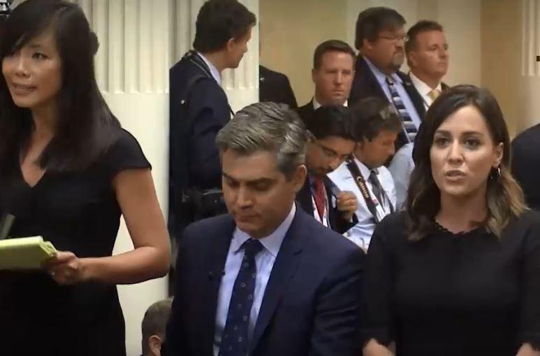 Корреспонденты старались перекричать друг друга в прямом эфире с саммита в Хельсинки