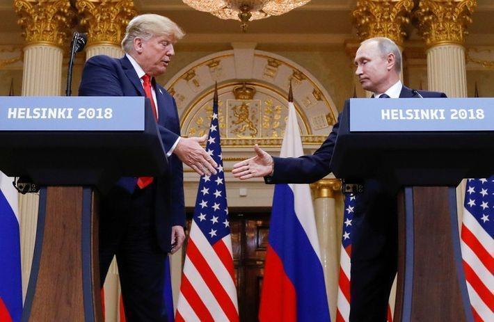 Маккейн и Макфол подвергли критике поведение Трампа на саммите с Путиным