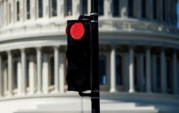 В США лидер демократов призвал расширить санкции против РФ