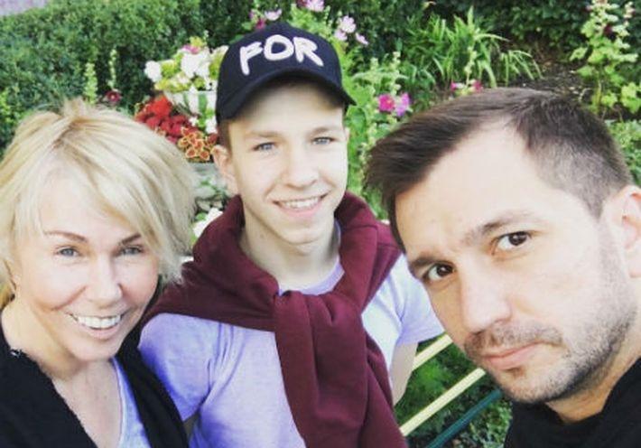 Ксения Стриж усыновила подростка из детского дома