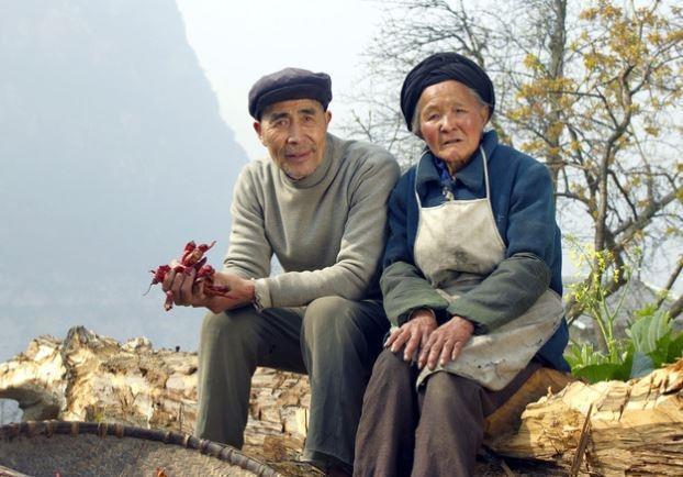 В Китае сообщили, что к 2050 году свыше трети населения страны будут составлять пожилые люди