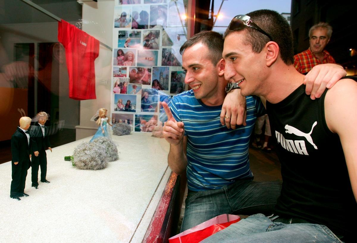 На Кубе разрешат одноплые браки