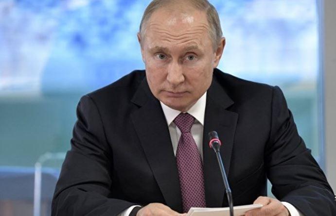 NYT: ведущий Fox News поехал в РФ после беседы с Путиным