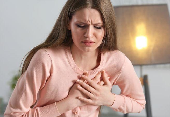 «Умирают в 2 раза чаще мужчин»: инфаркты убивают женщин